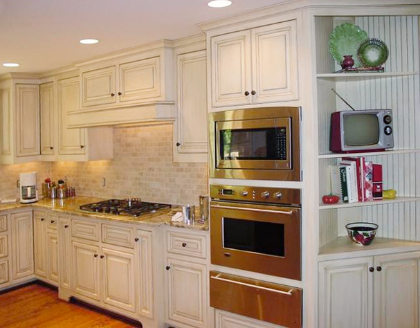 painted and glazed kitchen cabinets painted amp glazed cabinets 24337